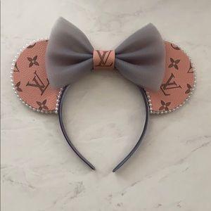 Custom Louis Vuitton Minnie Ears!